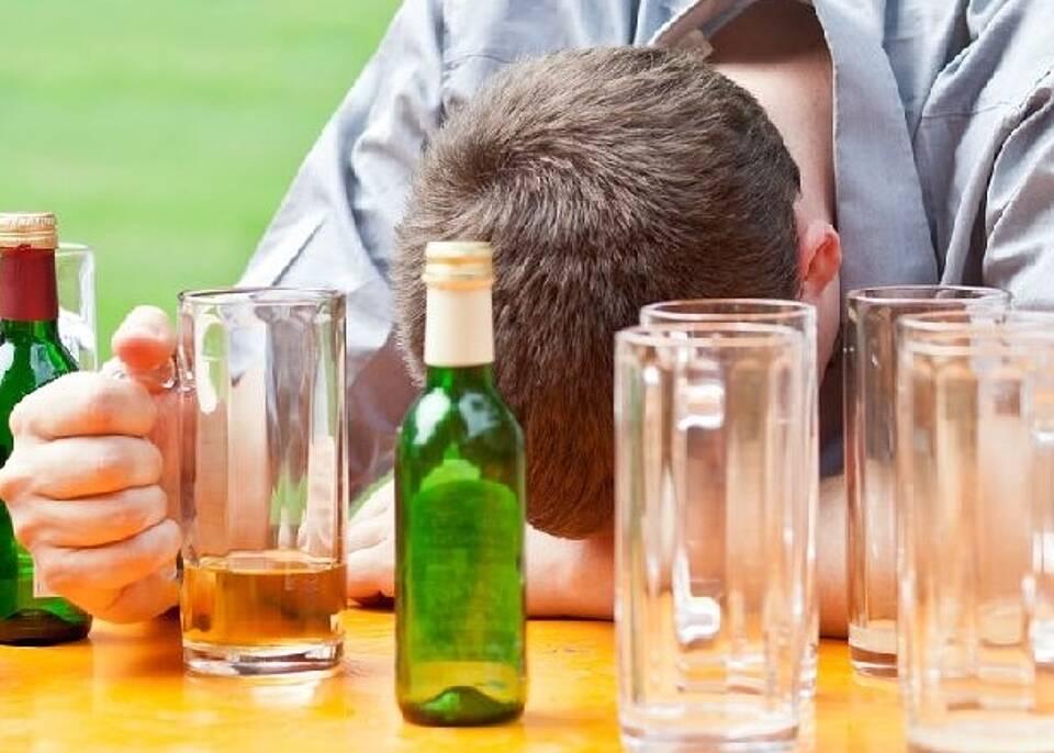 Alkohol ist eine tödliche Droge.