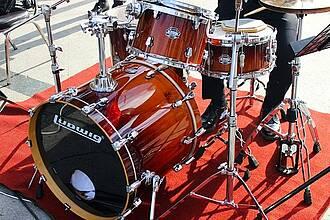 Forscher konnten zeigen, wie Schlagzeugspielen das Gehirn strukturell und funktionell verändert