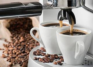 Schwarzer Kaffee hat eine entgiftende Wirkung, aber nur ohne Milch