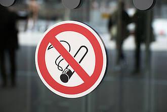 Rauchverbote schützen Nichtraucher