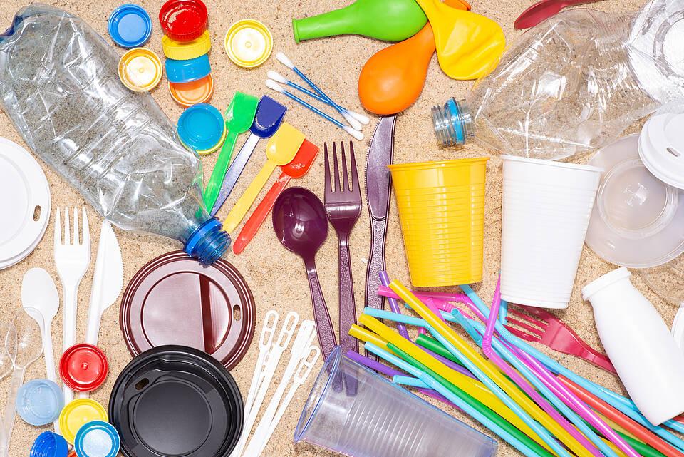 Plastik, Plastikmüll, Plastikgeschirr