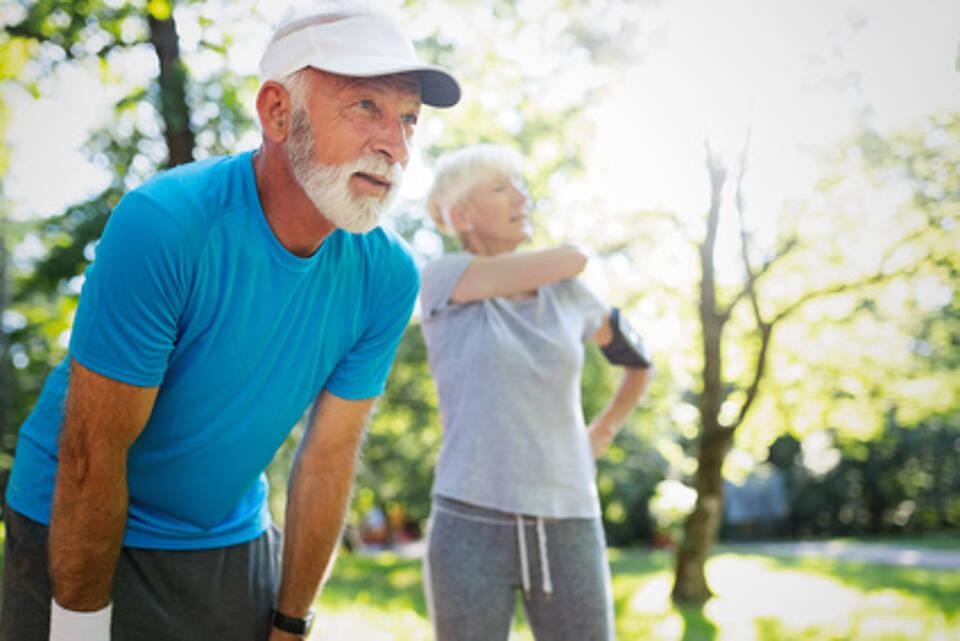 senior, fitness, fit im alter, ausdauertraining, laufen, joggenn