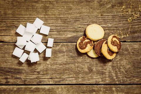 Zuckerwürfel und Kekse