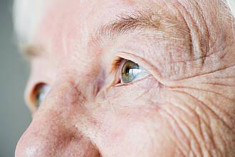 Falten, gesichtsfalten, alter, seniorin, alte menschen, demografischer wandel
