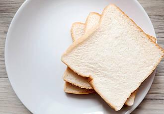 Viel Weißmehl-Produkte wie Toastbrot zu vrezehren, könnte der Herz-Kreislauf-Gesundheit schaden