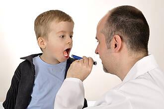 mandelentzündung, kinderarzt, HNO-Arzt, Untersuchung