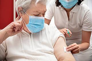 Corona-Impfung, Impfung im Pflegeheim