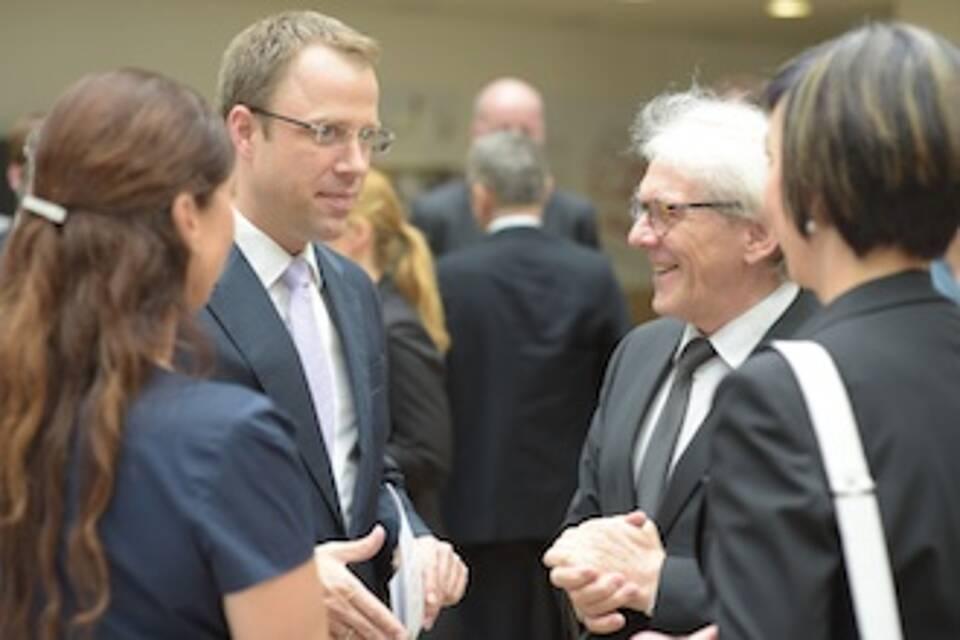 MVZ für Strahlentherapie mit Politikprominenz eröffnet
