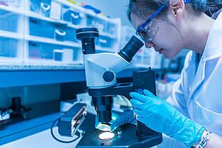 Dynamische Entwicklung in Deutschland: Die Zahl der nachgewiesenen Coronavirus-Infektionen steigt täglich