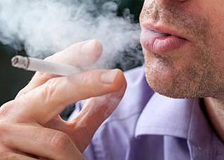 Rauchen bleibt wichtigster Risikofaktor für frühen Herzinfarkt