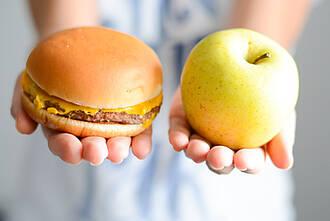 Äpfel bremsen die Aufnahme von Cholesterin aus der Nahrung