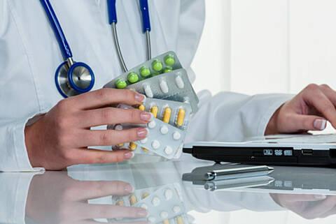 Avastin bei Glioblastom Rezidiv: Verlängert die progressionsfreien Zeit - versagt aber am Ende beim Gesamtüberleben