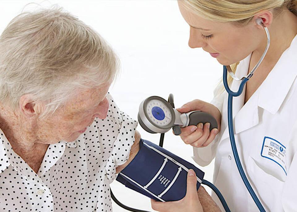 Blutdruckmessen kann praktisch jeder