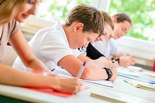 Jungen sind von HPV-Impfung ausgeschlossen. Eine Petition soll das ändern