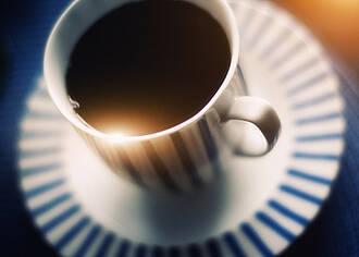 Kaffeetrinken: niedriger Blutdruck bei Nichtrauchern