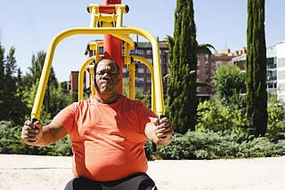 übergewicht, abnehmen, sport, training, trainingsprogramm