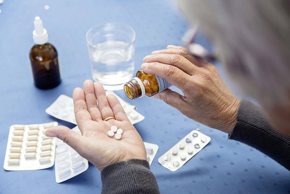 Kritik an neuen Blutdruckwerten: Ältere Menschen sollten in der Regel einen höheren Blutdruck haben dürfen als jüngere, finden Geriater