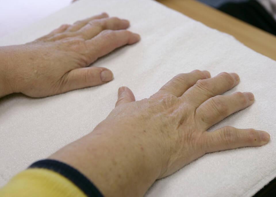 Schmerzende Gelenke an Fingern oder Händen