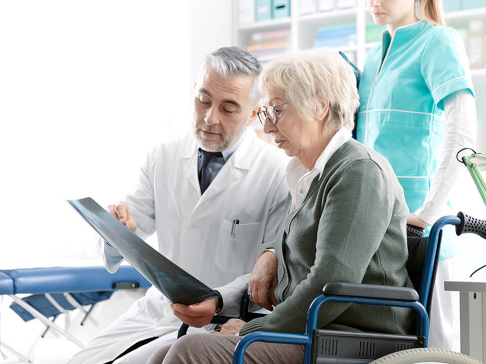 Osteoporose führt zu immensen Beeinträchtigungen
