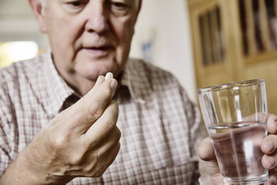 medikamente, arzneimittel, tabletten, senior