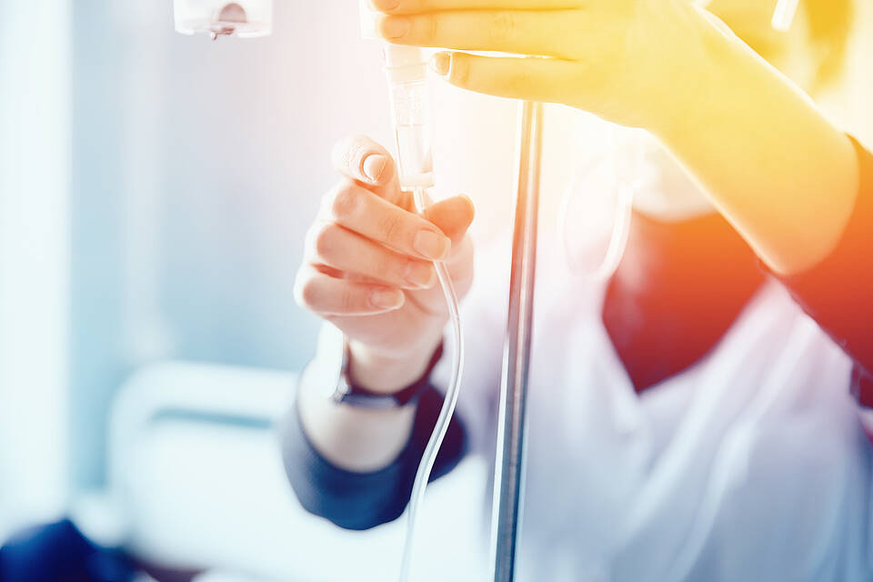 Studie: Der Wirkstoff Ruxolitinib lindert Abstoßungsreaktionen nach Stammzelltransplantation besser als Kortison
