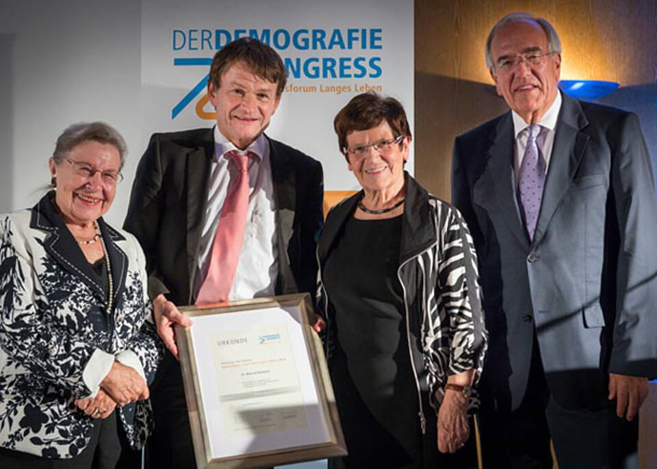 Initiative Deutschland Land des langen Lebens. Preisträger 2013 ausgezeichnet