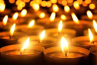 Abschied von Dr. Dr. Thomas Plath: Mit einer offiziellen Trauerfeier hat die Charité am Freitag ihrem getöteten Oberarzt gedacht