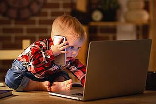 Computer und Smartphone sollten für Kleinkinder tabu sein