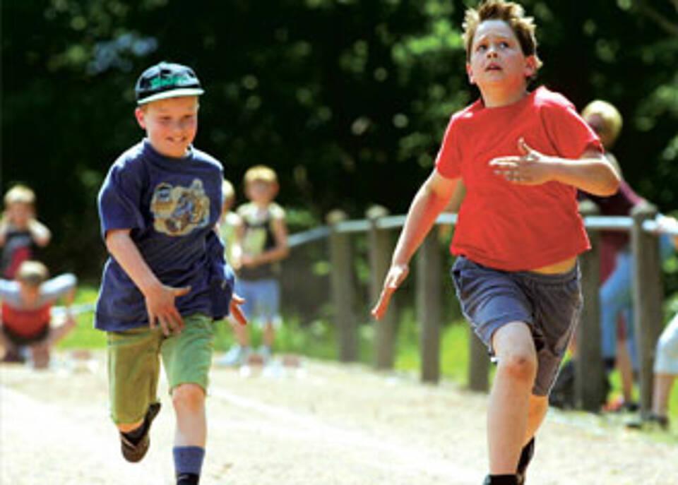 Herzkranke Kinder sollten Sport treiben. Wie viel, das sagt ein Sporttauglichkeitsattest