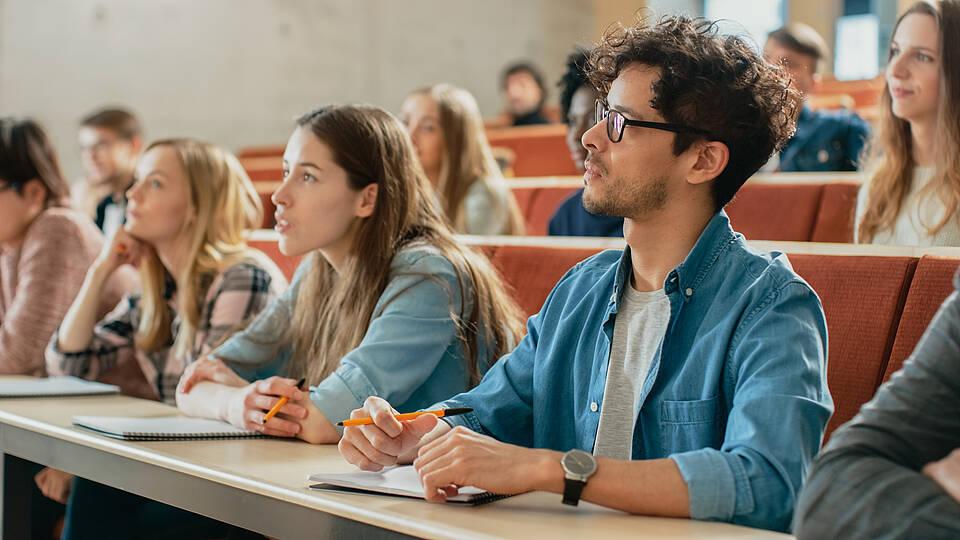 Hochschulen kehren zur Normalität zurück: Laut einer Umfrage sind mehr als 80 Prozent von Berlins Studierenden vollständig gegen das Coronavirus geimpft.