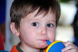 Die Diagnose kann auch ohne Magenspiegelung gestellt werden: Kinder mit Zöliakie dürfen keine glutenhaltige Nahrung zu sich nehmen.