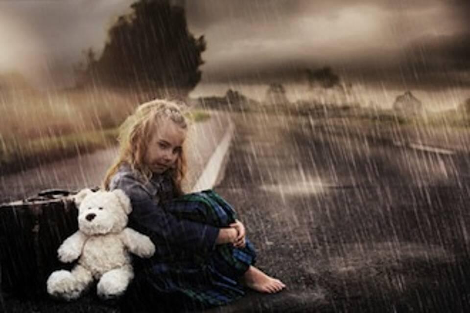 Kindern drogenabhängiger Eltern sind verstärkt von Vernachlässigung bedroht.Drogenabhängige Eltern brauchen Hilfe. Ihre Kinder auch.