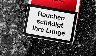 3.000 Menschen sterben jährlich vom Passivrauchen. Am Deutschen Lungentag wird vor Zigaretten gewarnt