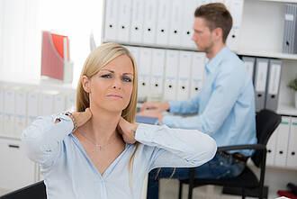 Muskelverspannungen können für Nackenschmerzen sorgen