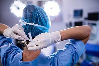 """Heilsbringer oder Todesengel? Im Buch """"Tatort Krankenhaus"""" ist von 21.000 Tötungen die Rede"""