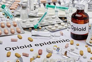 Opioide gehören zu den stärksten Schmerzmitteln und haben Suchtpotential. Von einer Opioid Krise wie in den USA ist Deutschland aber noch weit entfernt