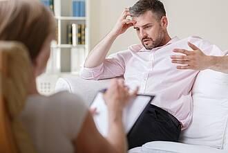 Bei Depression kann auch eine Psychotherapie helfen