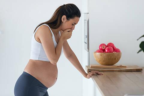 Getrübte Freude: Schwangere, die sich mit Corona infizieren, sind gefährdet