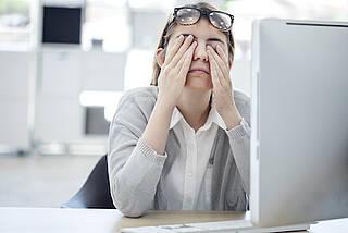 Bildschirmarbeit, erschöpfung, stress, büroalltag