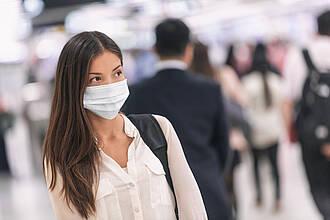 Virologe Kekulé beziffert die Dunkelziffer auf den Faktor 3. Somit könnten in Deutschland bereits über 80.000 Menschen mit dem Coronavirus infiziert sein