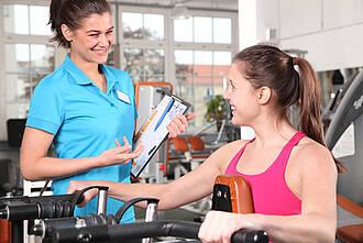 Fitness studio zwei Frauen