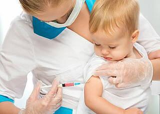 Wenn ein mutiertes Polio-Virus auf eine ungeimpfte Bevölkerung trifft, wird es gefährlich, warnen Virologen