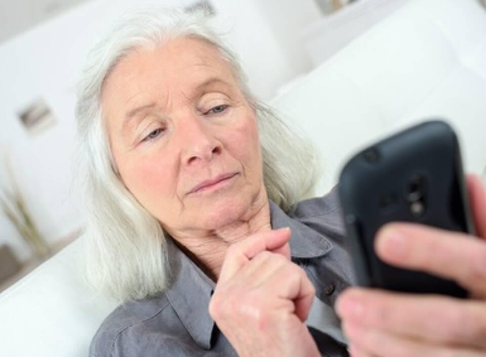 Einsamkeit, Alter, Senioren-Hotline, Silbernetz