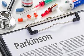 Parkinson hat eine hohe Rate an Fehldiagnosen. Die neue S3-Leitlinie empfiehlt daher eine Absicherung durch Parkinson-Spezialisten