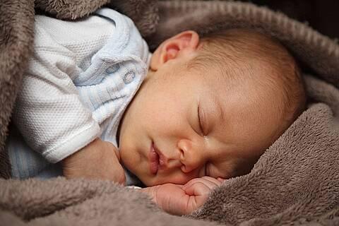 Babys mit Mukoviszidose