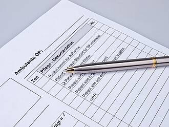 Karl Josef Laumann fordert, den Aufwand der Pflegedokumentation zu reduzieren