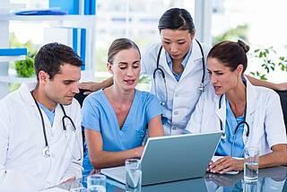 Mehr Ärzte besser als einer