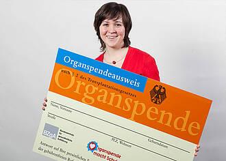 Mit Werbe-Kampagnen wollen Kassen ihre Versicherten zur Organspende motivieren
