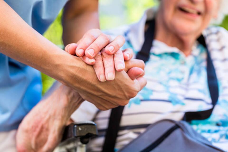 pflege, pflegeheim, pflegepersonen, altenpflege