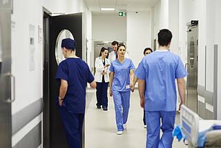 Nur jede zweite Pflegekraft will sich sofort gegen COVID-19 impfen lassen